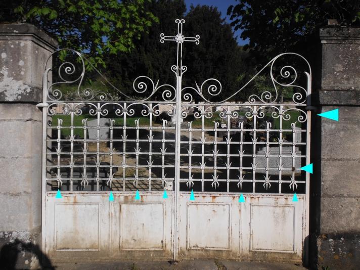 vue-general-du-portail-avec-en-bleu-les-pieces-en-ferronnerie-a-recreer